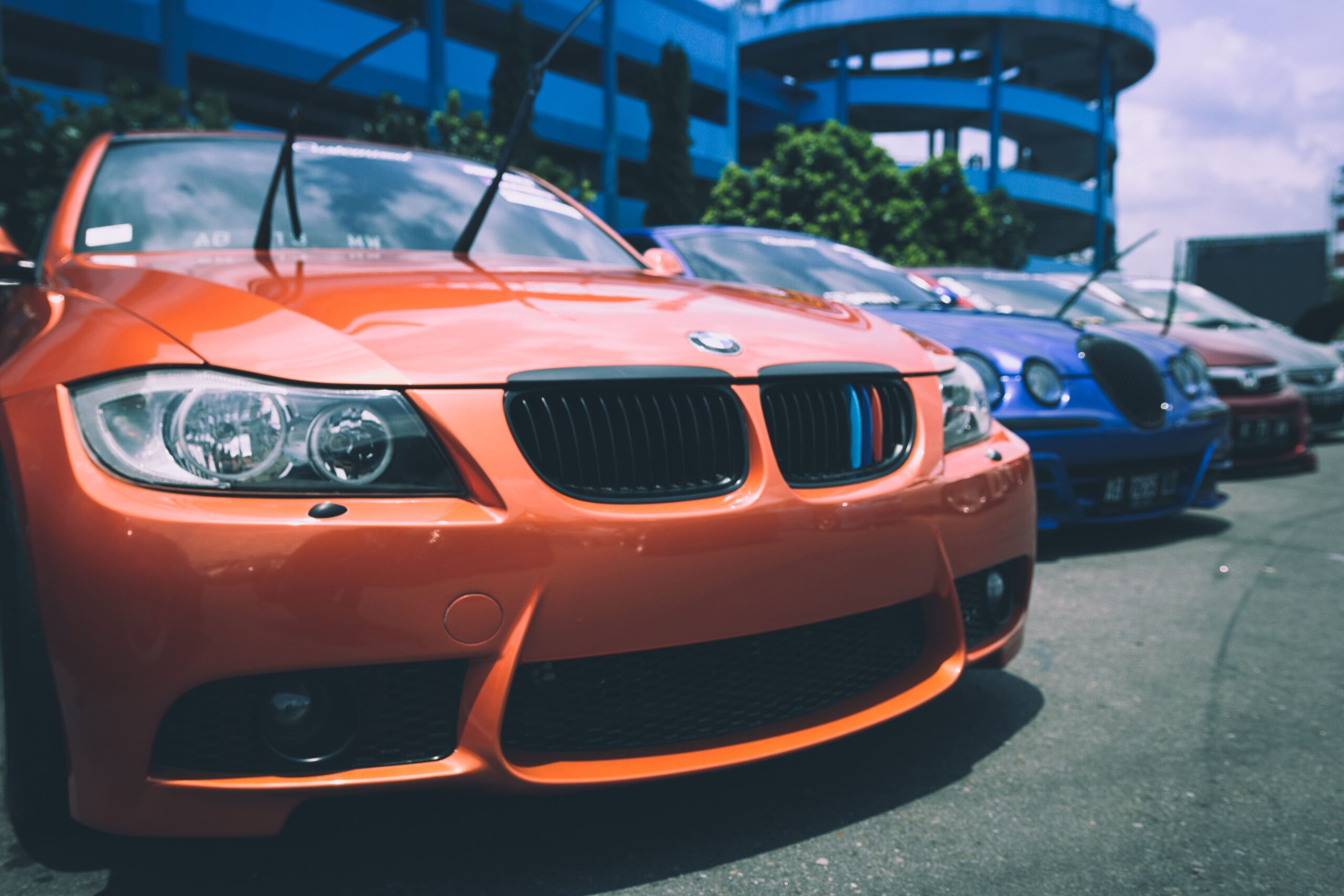 how to sell used luxury car