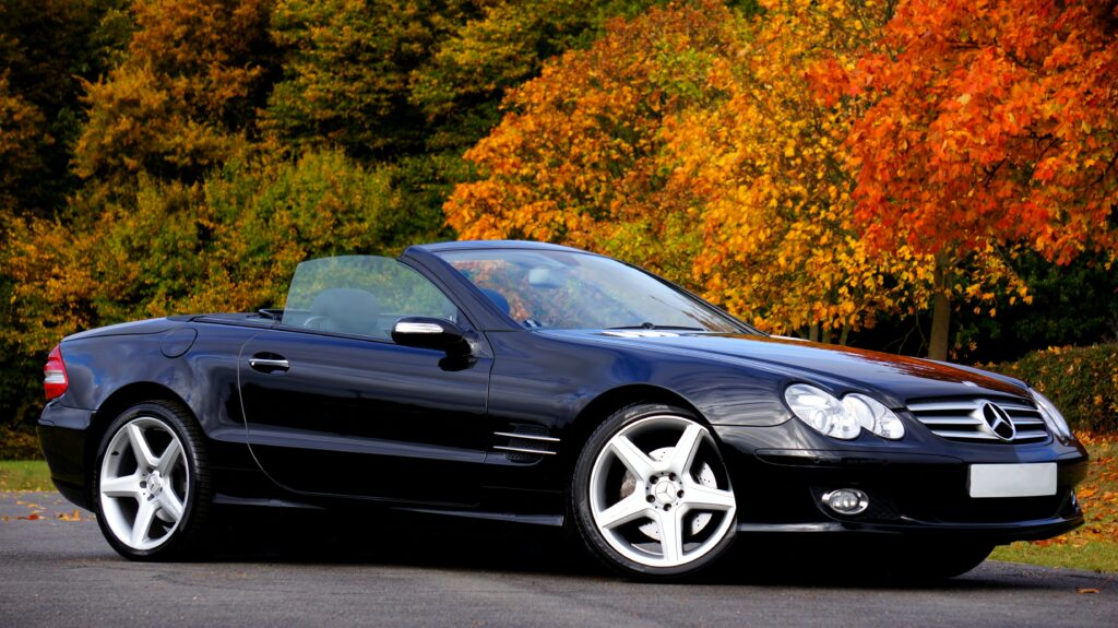 top features in luxury car